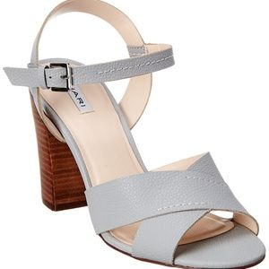 TAHARI LEATHER SANDAL